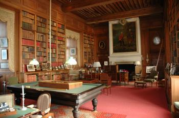 Chateau serrant bibliothe que