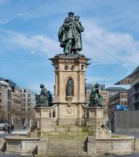 Gutenberg denkmal frankfurt main