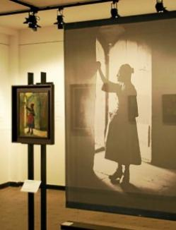 Le double regard entre photographies et oeuvres peintes
