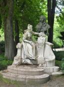 Monument a watteau 1