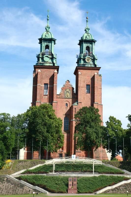 Cathédrale de l'Assomption et Saint Adalbert