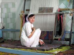 Tissage d un tapis de soie a margilan