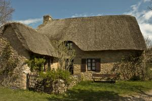 Village de kerhinet briere village gaulois typique ancien breton chaumiere toit de chaume en roseau